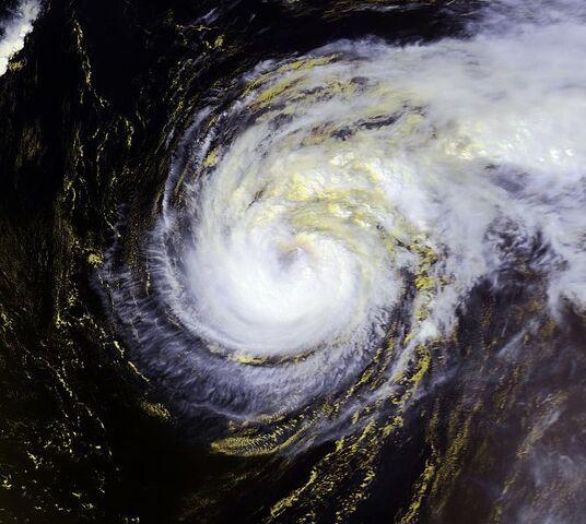 File:Hurricane Felix 14 sept 2001 1653Z.jpg