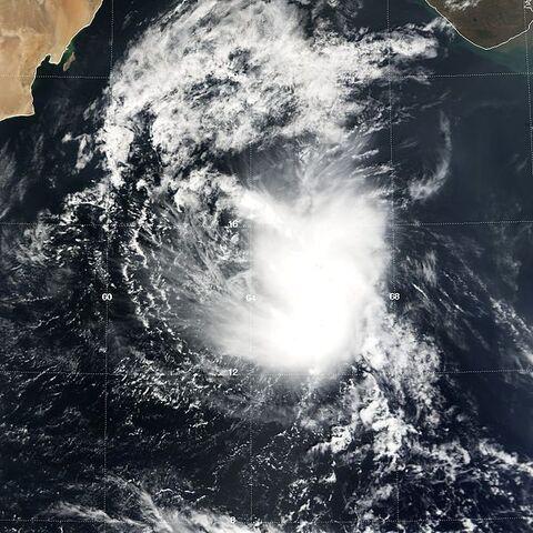 File:Tropical Cyclone 04A 05 nov 2004 0620Z.jpg