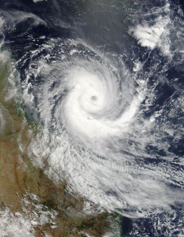 File:Cyclone Larry 19 mar 2006 0025Z.jpg