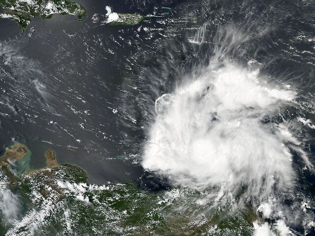 File:Tropical Storm Earl (2004).jpg