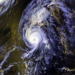 600px-Hurricane Iniki 11 sept 1992 2358Z.jpg