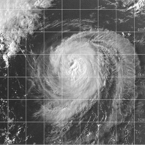 File:Hurricane Alberto 12 aug 2000 2132Z.jpg