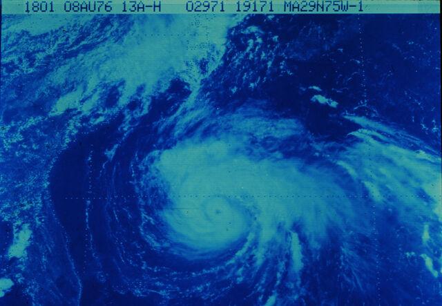 File:Hurricane Belle.jpg