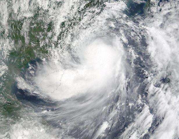 File:Hagupit 11 sept 2002 0315Z.jpg