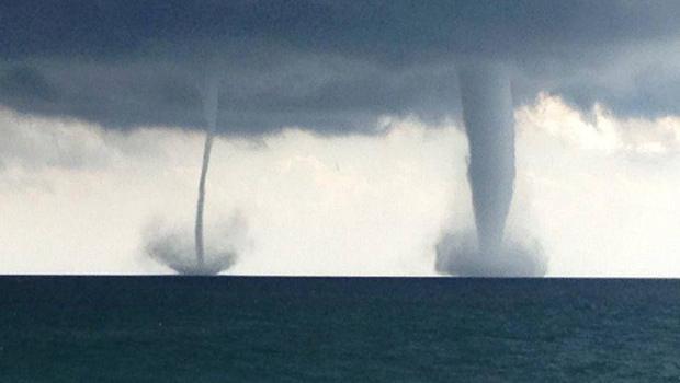 File:Twin Waterspouts 2.jpg