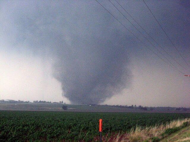 File:May 24, 2011 Chickasha, Oklahoma tornado.JPG