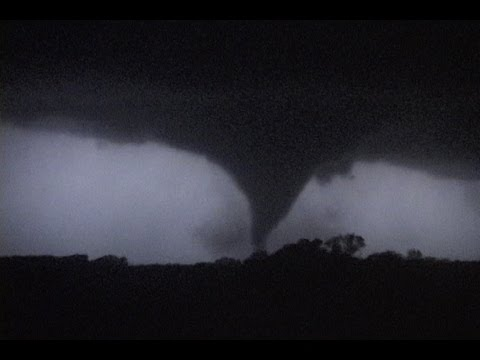 File:Tornado 138.jpg