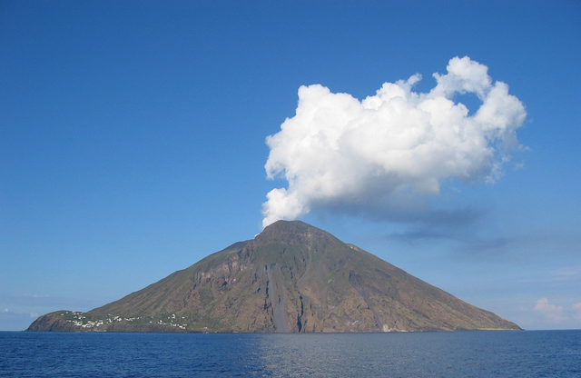 File:Volcano 26.png