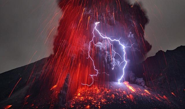 File:Volcanic eruption 20.png