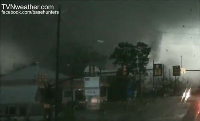 File:Birmingham, England F4 tornado approaches city centre.png
