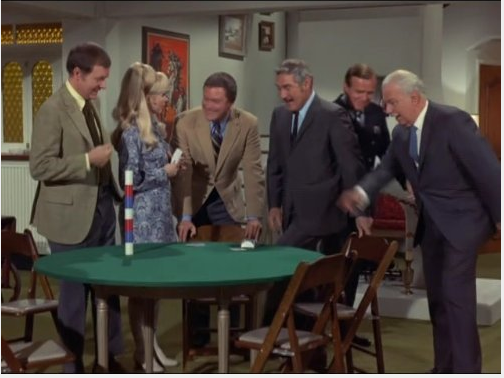 File:IDOF Episode 5x25 - The Poker Game.png