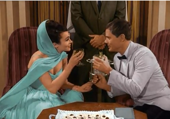 File:Princess Tarji and MAJ Nelson have a toast.png