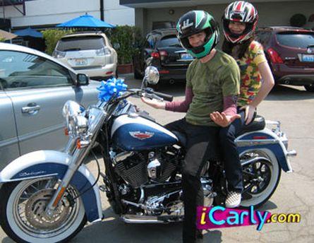 Arquivo:Motorcycle.jpg