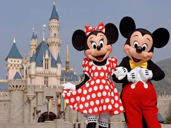 File:DisneylandMickyMinnie.jpg