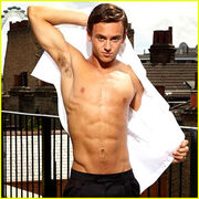 Tom-daley-new-shirtless-photo-shoot