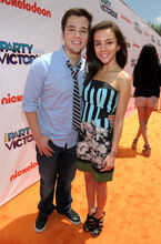 Nathan Kress Lexi Ainsworth Nickelodeon iParty FaHHQPbuLfgl