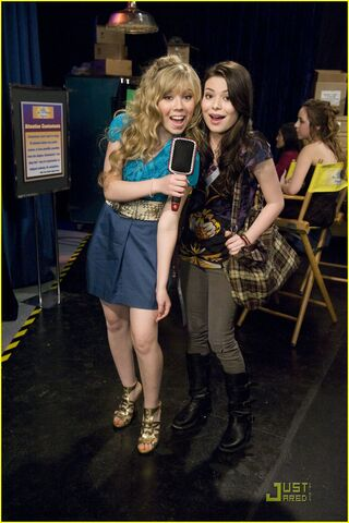 File:Jennette-mccurdy-pageant-girl-10.jpg