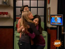 ICook Cam hug