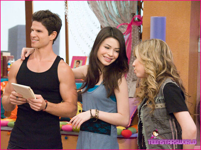 File:ICarly-iHire-An-Idiot-Stills-8.jpg