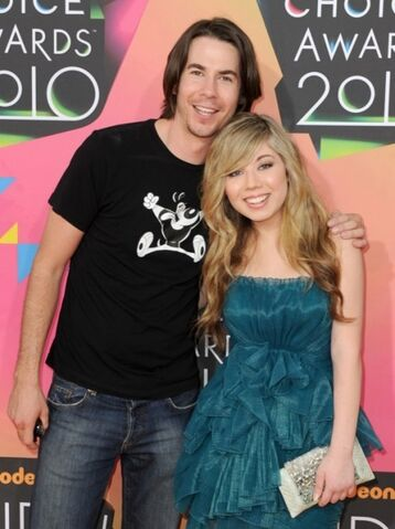 File:Jennette-mccurdy-kids-choice-awards-02.jpg