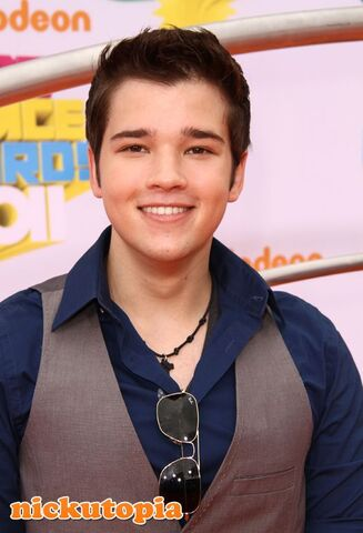 File:Nathan-Kress-2011-Nickelodeon-KCAs.jpg