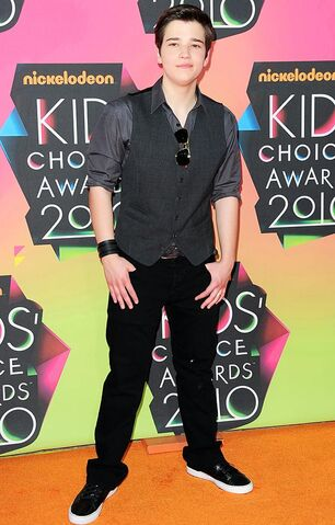 File:Kids-choice-red-carpet-nathan-kress.jpg