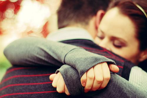 File:A hug.jpg