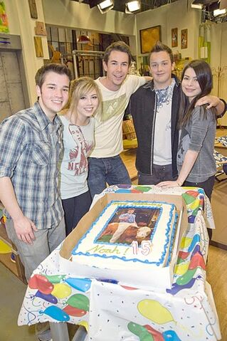 File:Icarly noah bday 02HR.jpg