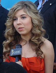 File:JENNETTE MCCURDY April 2010.jpg