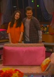 File:ICarly S04E01-iGot a Hot Room.HDTV-(030523)09-20-19-.jpg