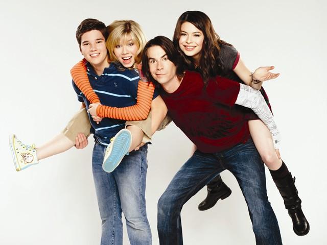 File:Cast Season 4.jpg