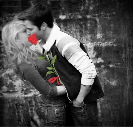 File:Seddie Rose Kiss Black and White.jpg