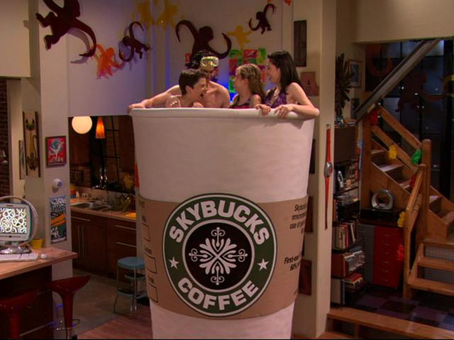 Arquivo:Carly, Spencer and Friends take a Coffee Bath.JPG