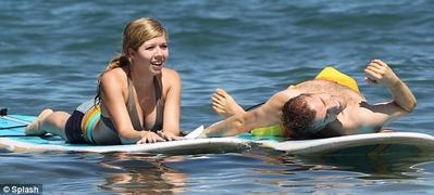 File:Normal Jennette McCurdy in Hawaii 281029.jpg