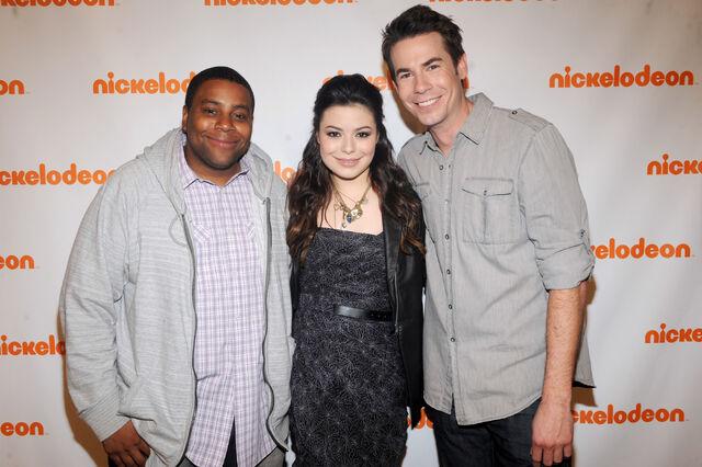 File:50051 MirandaCosgrove NickelodeonUpfront2011attheRoseTheateratLincolnCenterinNYCMarch102011 By oTTo14 122 524lo.jpg