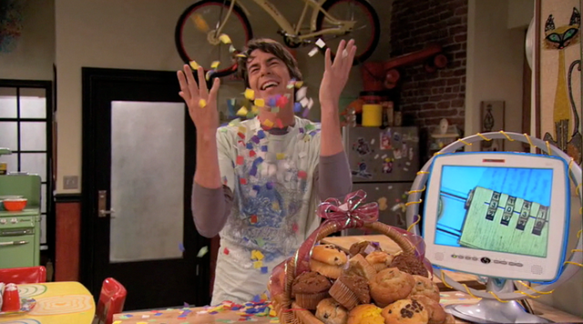 File:Spencer muffin basket confetti cannon ihl.png