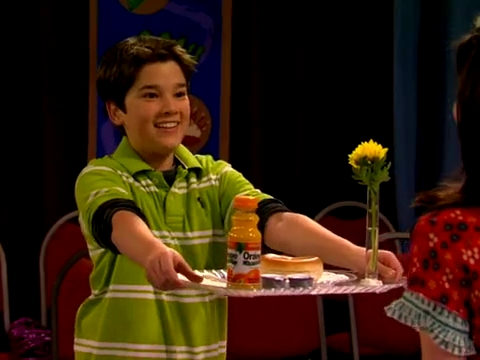 File:ICarly.S01E01.iPilot.HR.DVDRiP.XviD-LaR.avi 000429458.jpg