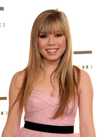 File:Jennette+McCurdy+2010+American+Music+Awards+qA-jeWC6 rTl.jpg