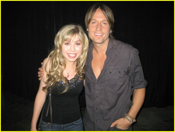 File:Jennette-mccurdy-keith-urban-01.jpg