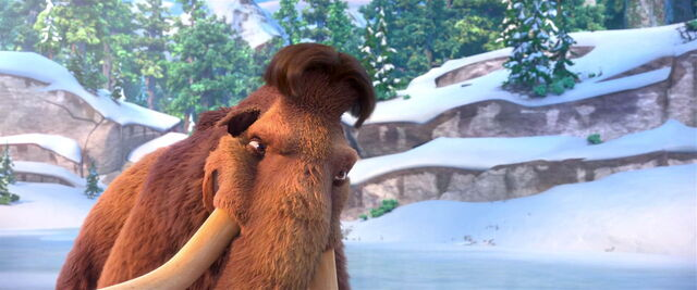 File:Manny ready to hit the puck (Ice Age 5).jpg