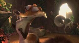 Scratte tiding room, scrat sneaking out