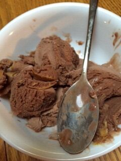 File:2nd bowl of chocolate and peanut butter ice cream.jpeg