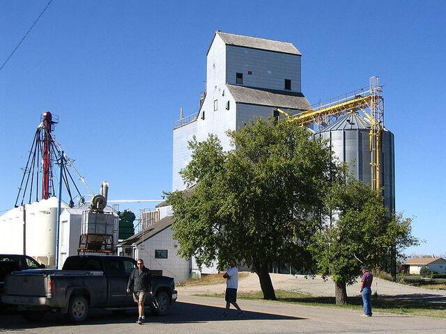 File:Hartney, Manitoba.jpg