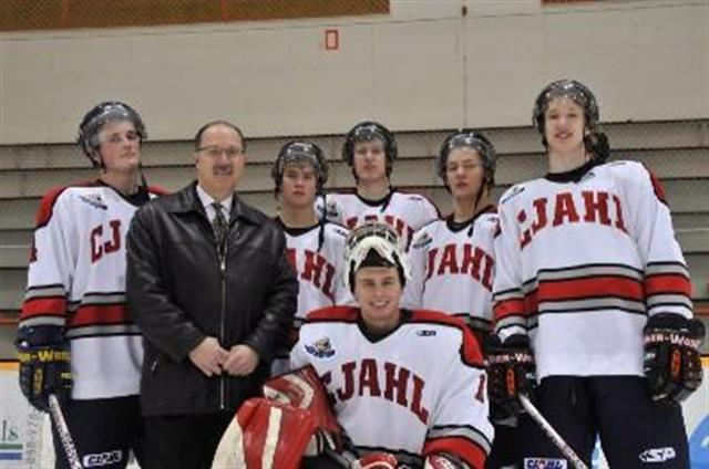 File:Commissioner Davis with MJHL prospects.jpg