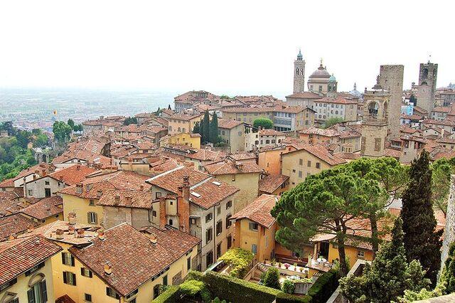 File:Bergamo.jpg