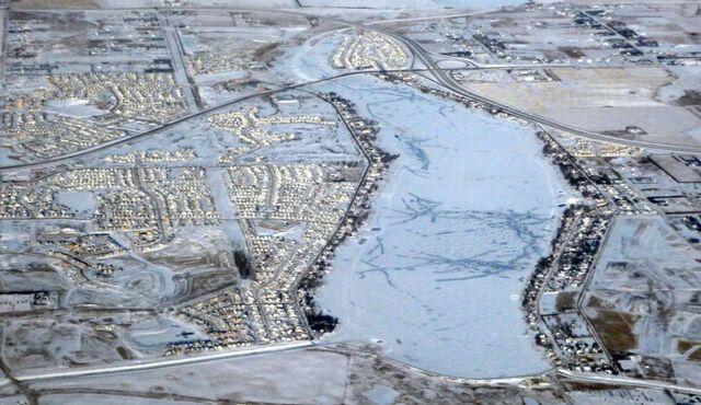 File:Chestermere, Alberta.jpg