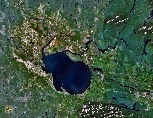 File:Lac Saint-Jean.jpg