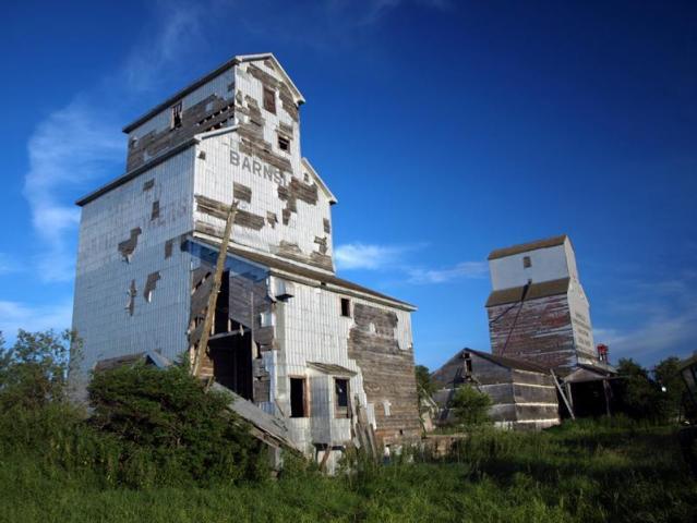 File:Barnsley, Manitoba.jpg