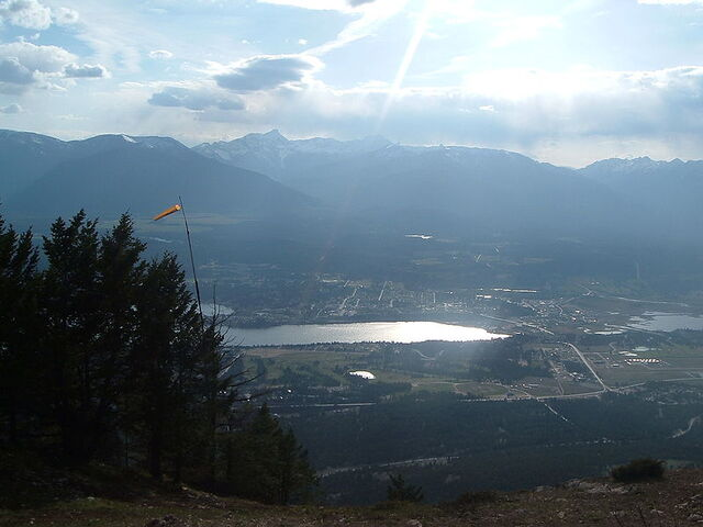 File:Invermere, British Columbia.jpg