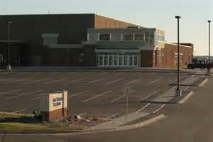 File:St. Thomas Ice Arena.jpg
